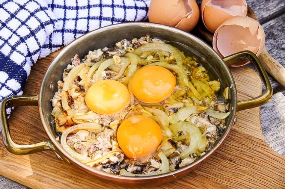 Packed with omega-3 healthy fat, Vitamin B12 & protein Fisherman's Eggs equals mouth watering sardine, super-food combo ready in under 30 minutes!