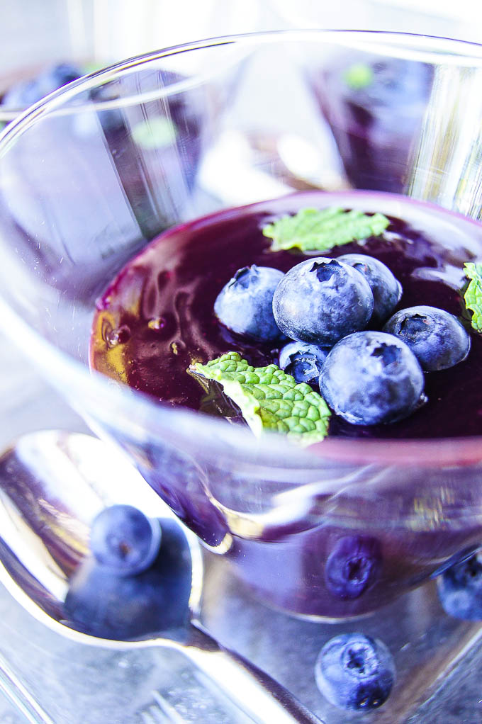 Homemade Blueberry and Mint Kisiel is essentially your favorite fruit juice that was thickened with starch and turned into the most delicious & low in calories indulgence in a dessert bowl.