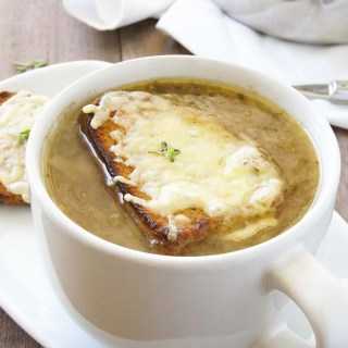 CLASSIC FRENCH ONION SOUP WITH CHEESY CROUTES