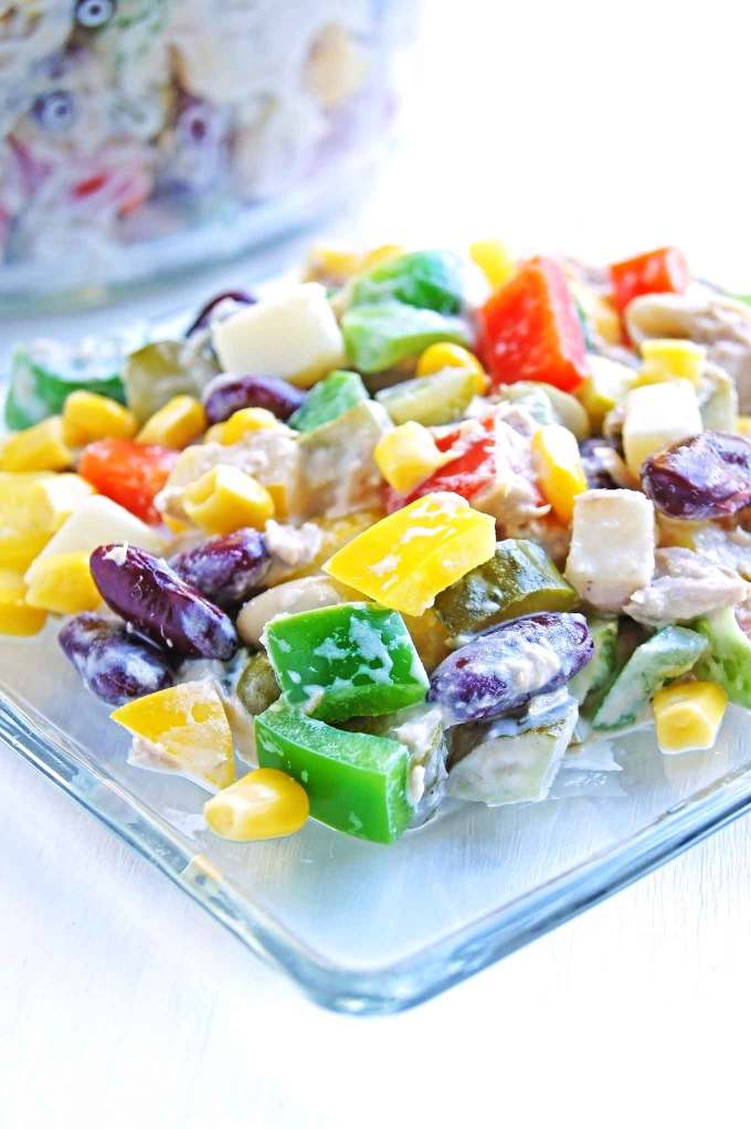 10 min Beans, Tuna, Dills and Bell Pepper Salad is a full of flavour idea with the use of canned vegetables. Easy, quick and delicious.