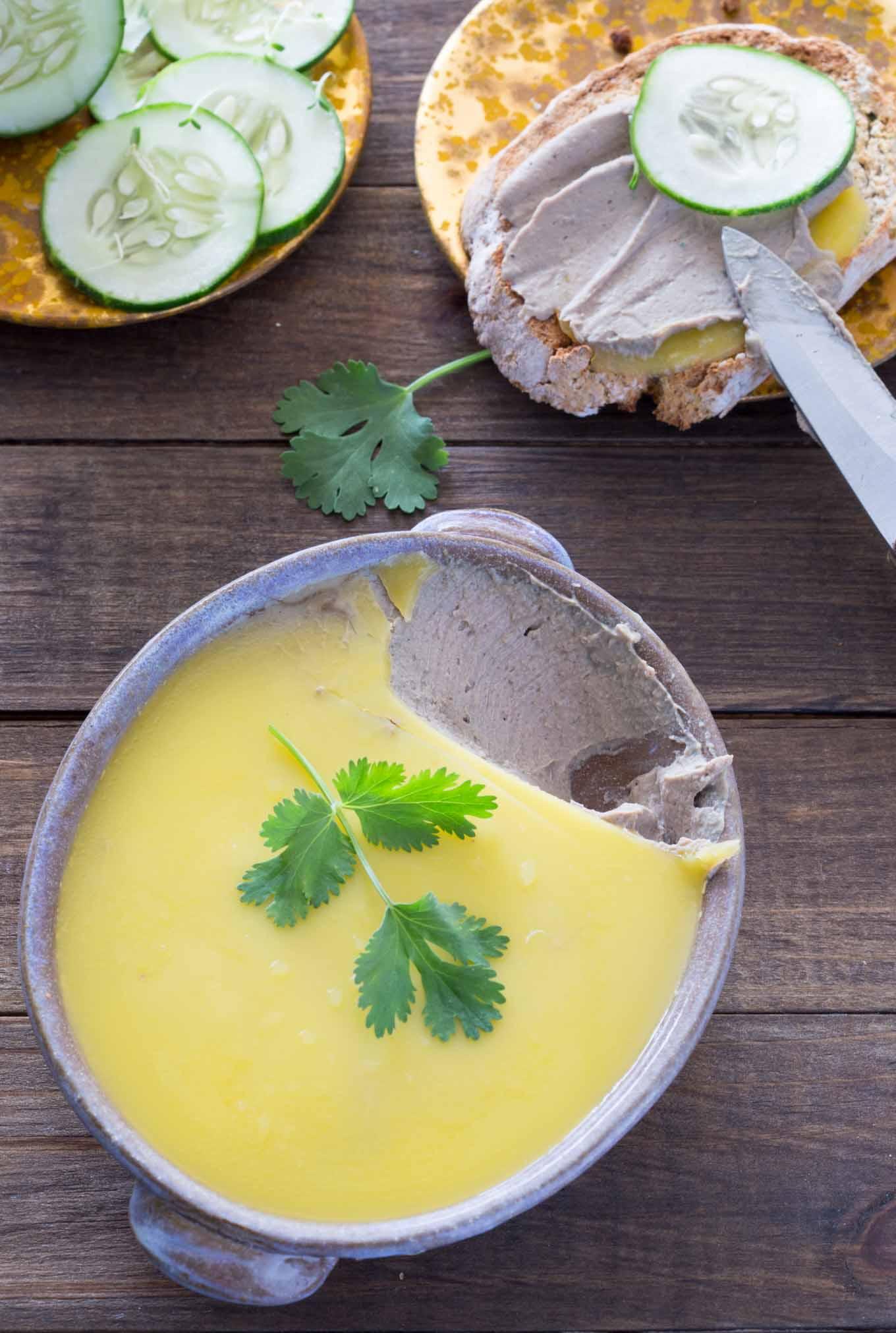 How do you make chicken liver pate?