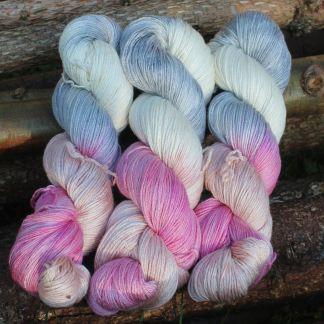 Håndfarvet Merino/silke