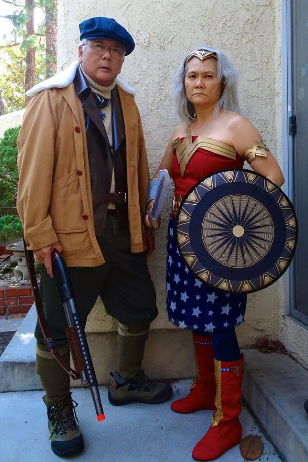 Casal aposentado faz sucesso criando lindos cosplays!