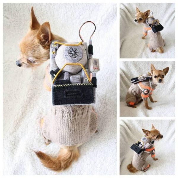 Artista cria fantasias em crochê do universo nerd para seu cachorro