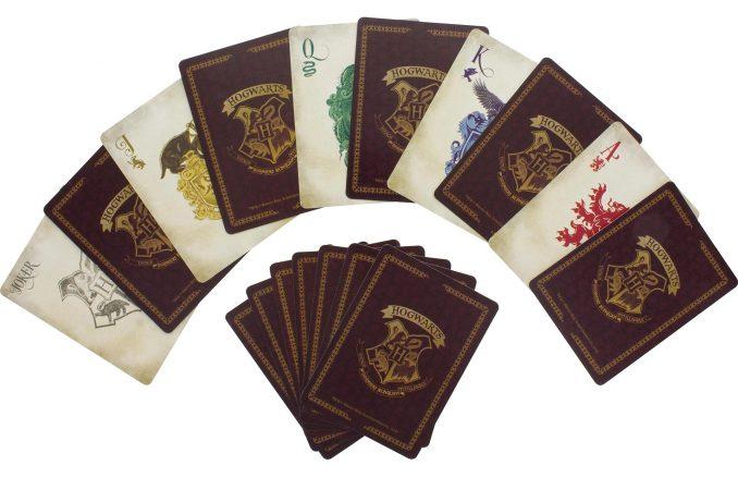 Harry Potter: Cartas de baralho no estilo de Hogwarts!