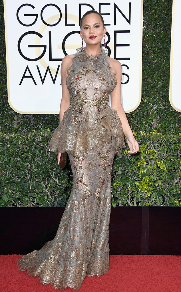 634x1024--chrissy-teigen-Golden-Globe-Awards