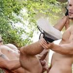 Sexo na floresta com dois Rapazes gays super safados