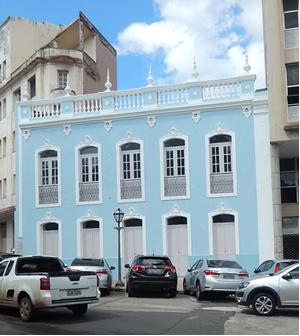 Fachada do casarão histórico reformado pela Sinfra que serviria de sede para a Fundação São Luís