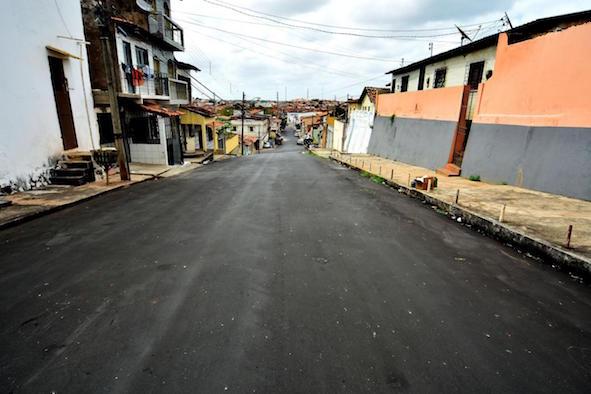 Rua asfaltada na Coréia de Cima: planejamento técnico e urbanização