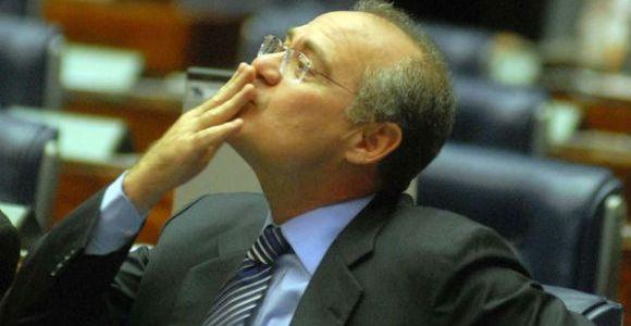 Ministro do STF afasta Renan da presidência do Senado