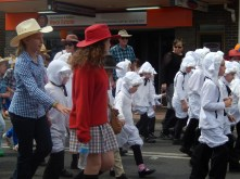 Little Lambs at Armidale Street Parade March 2014