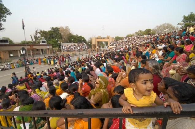 india, wagah, border crossing