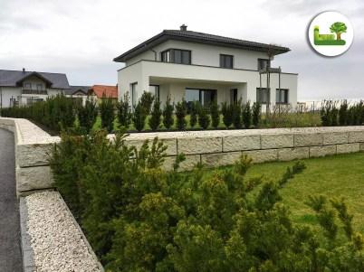 Grundstücksabgrenzung mit ReCon-Steinen. -gartenleber