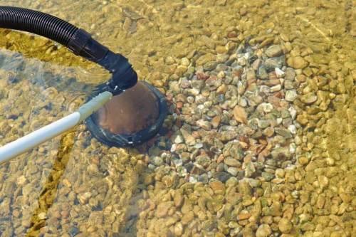 schlamm aus steinen entfernen