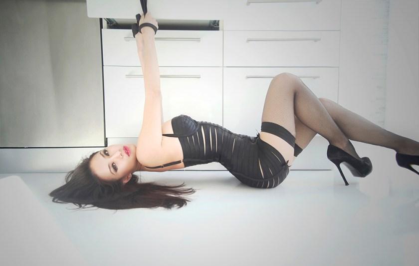 tied+up+bondage+dress_s