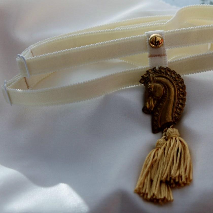Аксессуар для ног Brass Horse Head от WithLoveLingerie, цена: $35 (около 2350 руб.)