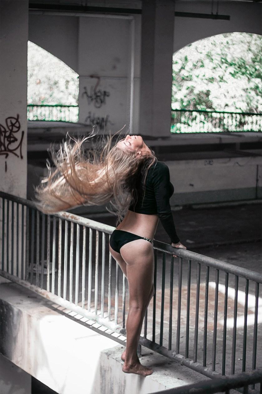 Серия фотографий The Rebel Girl на GB {Garterblog.ru}