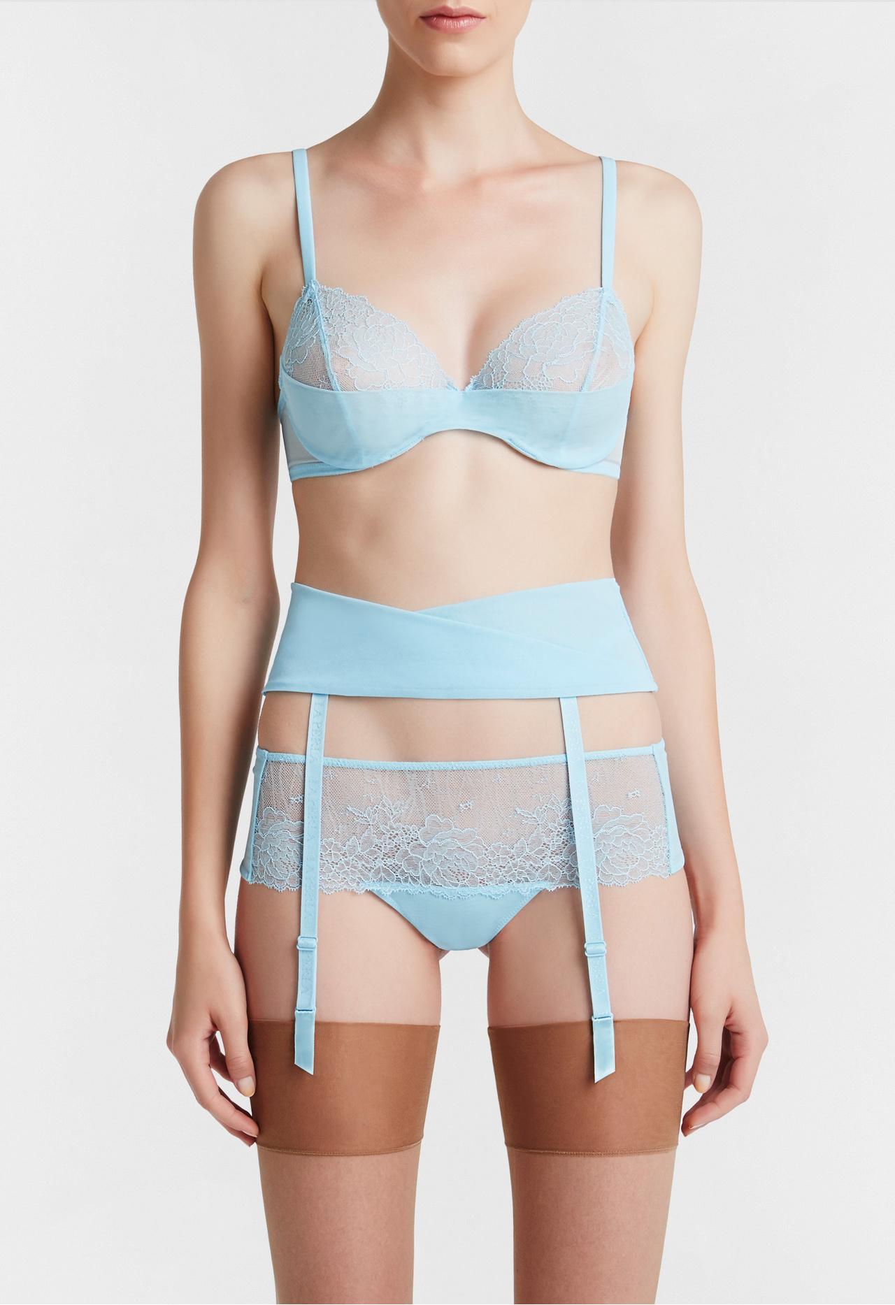 La Perla 50% Sale, Пояс для чулок Lace Flirt, 9 583 руб., цена с учётом скидки – 4 791,5 руб.