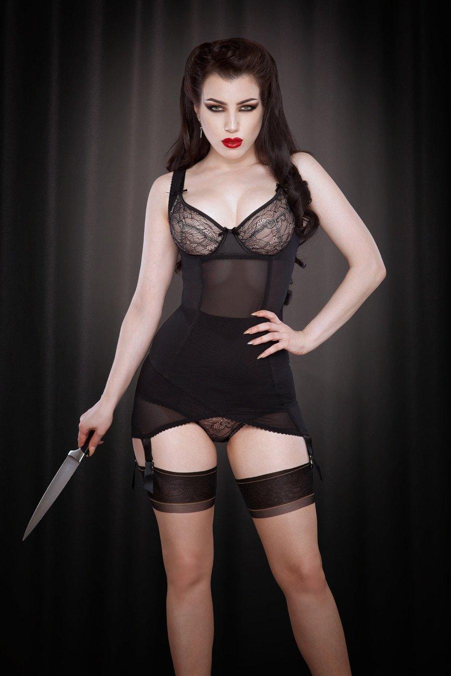 Платье с держателями для чулок Kiss Me Deadly