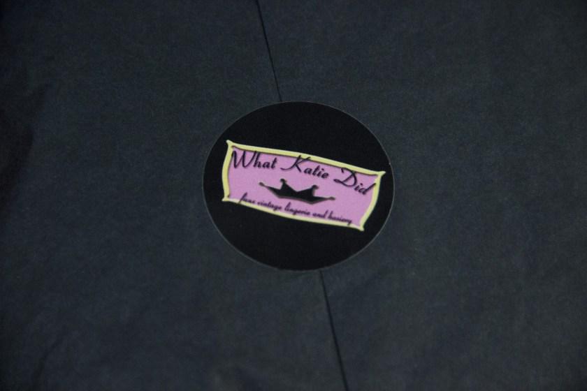Обзор практичного пояса для чулок и сумки для чулок What Katie Did