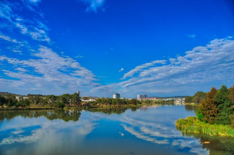 Lake Ginninderra from the south-east Ginninderra Drive bridge. HDR post processing. Gary Lum