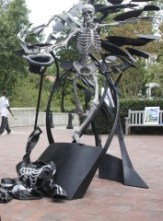 Sculptor Matthew Gray Palmer's rendition of Dooley was dedicated in September 2008.