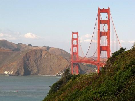 Golden Gate Bridge south side fully zoomed
