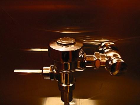 Pissoir plumbing