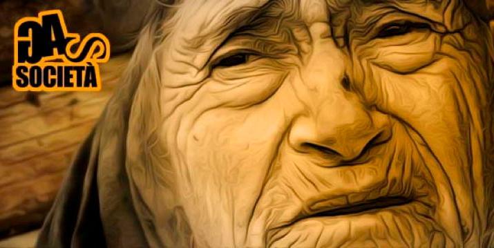 anziana triste