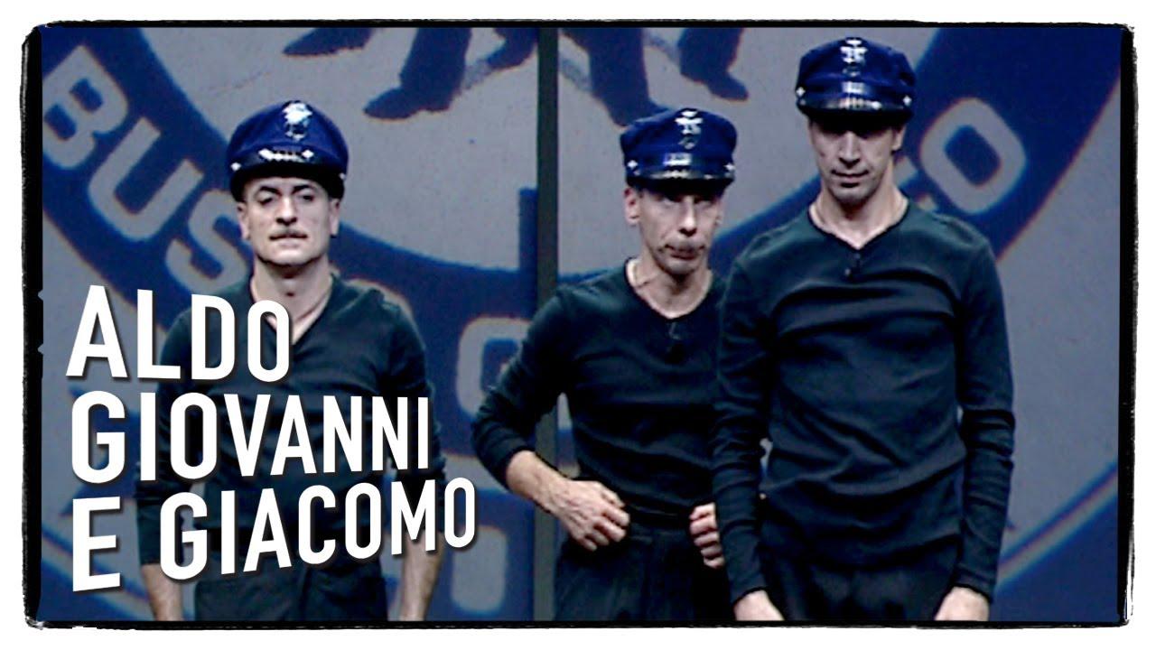 Gas-Tube: Aldo, Giovanni e Giacomo – Scuola di polizia con Dexter e Sugar