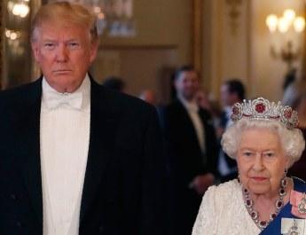 00-social-trump-queen-elizabeth