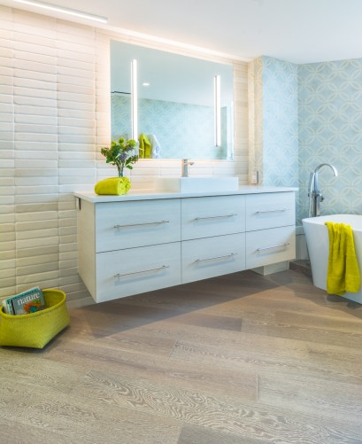 Lilly-Residence-web-bathroom-chartreuse-hero-7