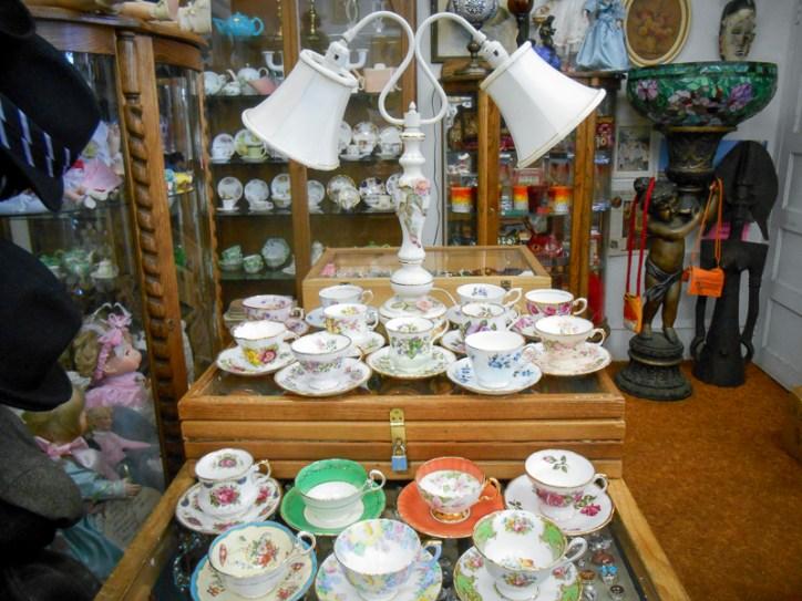 double arm vintage porcelain lamp
