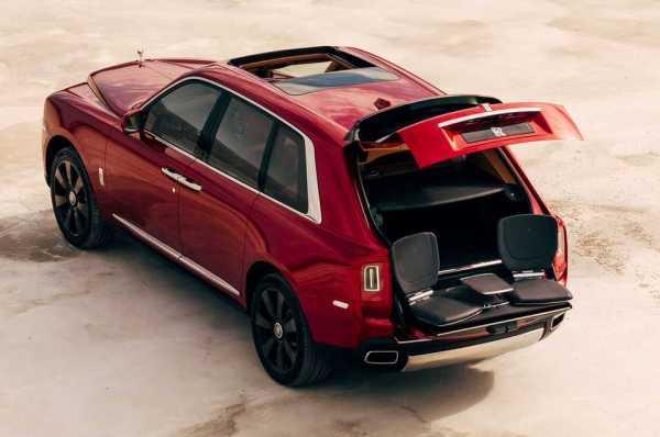 r6 - CULLINAN o SUV da Rolls-Royce