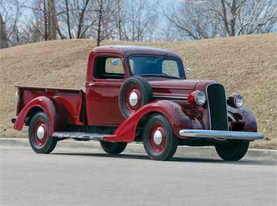 7369583 1937 fargo pickup std c - Conheça os Caminhões Fargo
