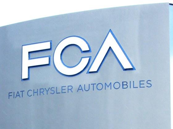 """fca headquarters sign - OS DESAFIOS DA """"FCA"""" por Fernando Calmon"""