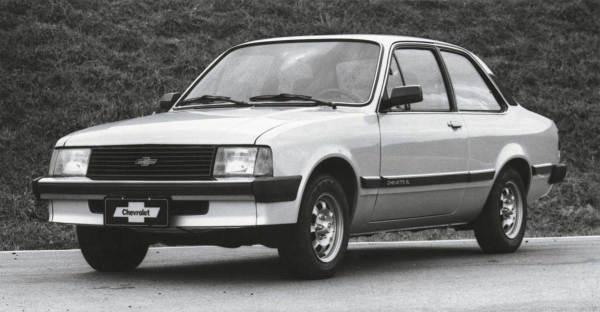 a4 - Chevrolet Chevette - 45 anos