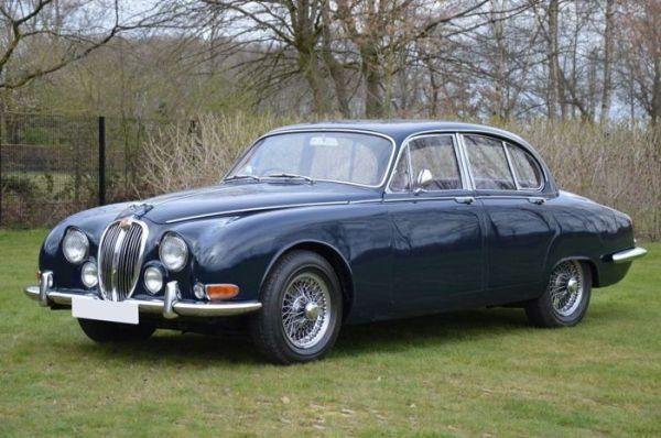 q2 4 - Os carros da Jaguar