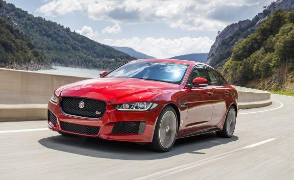 q25 - Os carros da Jaguar