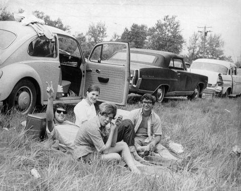 q3 8 - 50 anos do Festival de Woodstock, muito rock, paz, amor e carros.