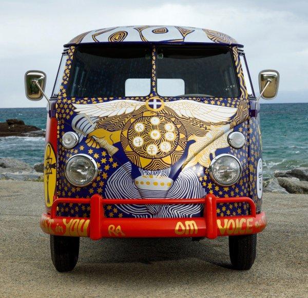 q34 1 - 50 anos do Festival de Woodstock, muito rock, paz, amor e carros.