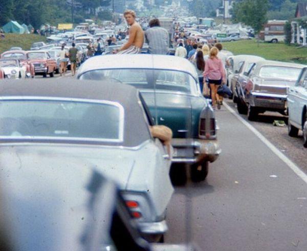 q6 7 - 50 anos do Festival de Woodstock, muito rock, paz, amor e carros.