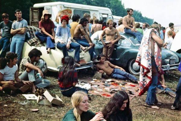 w19 1 - 50 anos do Festival de Woodstock, muito rock, paz, amor e carros.