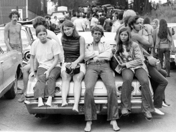 w21 - 50 anos do Festival de Woodstock, muito rock, paz, amor e carros.