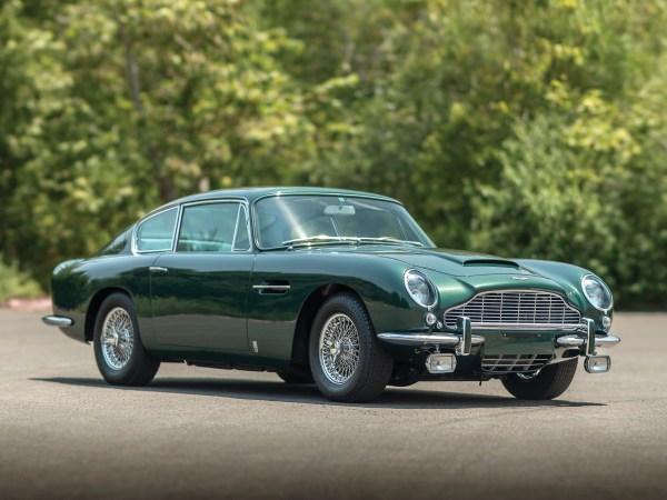 w12 1 - Aston Martin - o puro Inglês