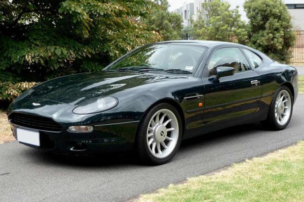 w18 1 - Aston Martin - o puro Inglês