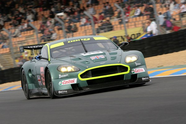 w6 4 - Aston Martin - o puro Inglês