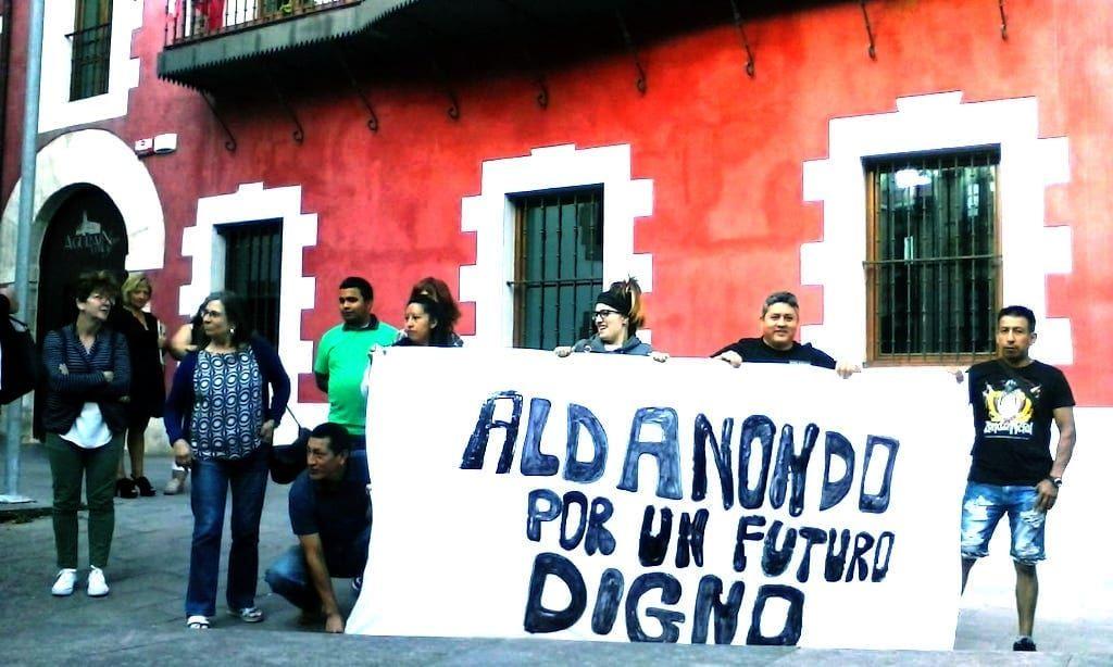 Concentración de la plantilla de Aldanondo   Foto: LAB