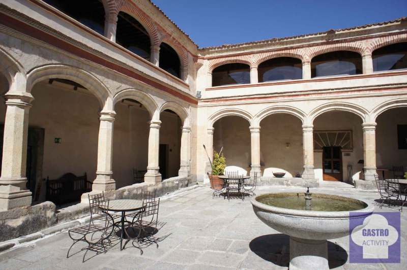 Claustro San Antonio El Real Segovia