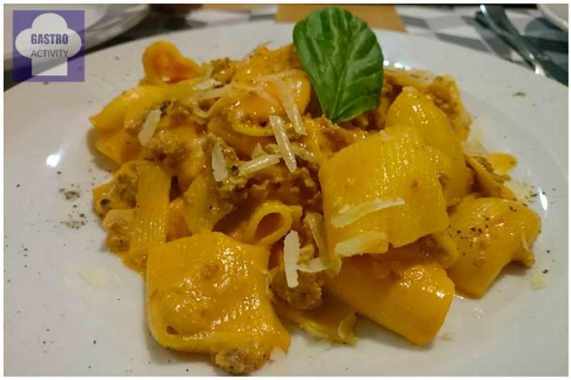 Macceroni alla Morcina con salchicha fresca de Umbria Restaurante Il Pastaio
